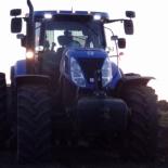 34_Andrese traktor õhtuhämaras