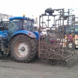New_Holland_T7060_ja_kultivaator